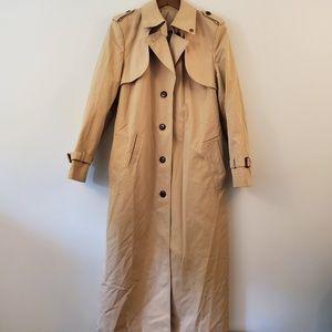 Vintage 1970s Etienne Aigner trench coat